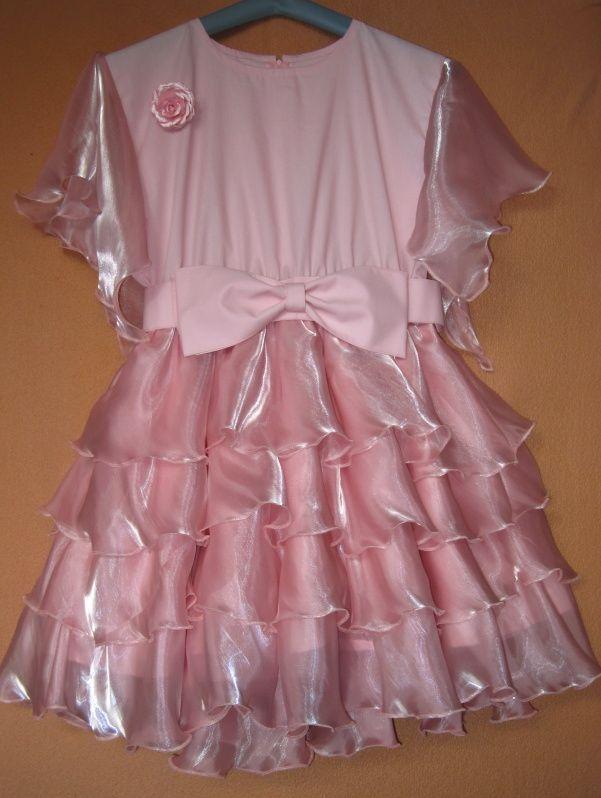 Šaty s volánkovou sukní